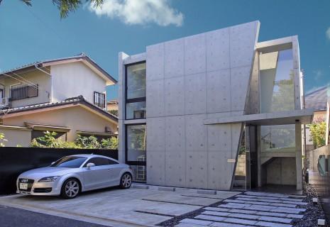 変形敷地の住宅/台形の家