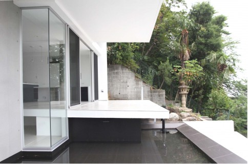 水盤のある家