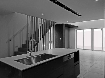 高低差のある敷地に建つ家/世田谷M邸
